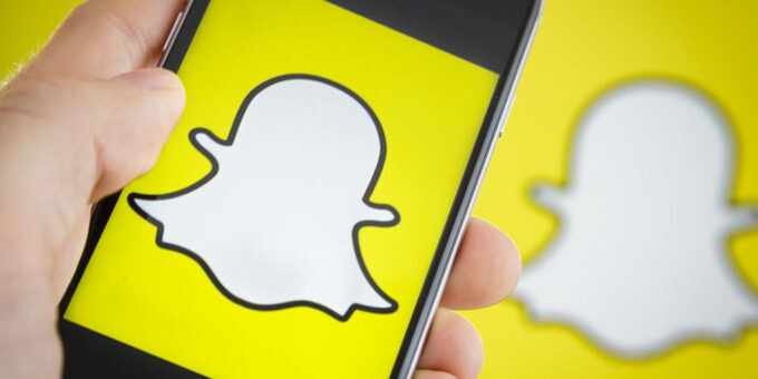 Snapchat forecast to pull $3bn a year by 2019, to surpass Twitter, AOL and Yahoo