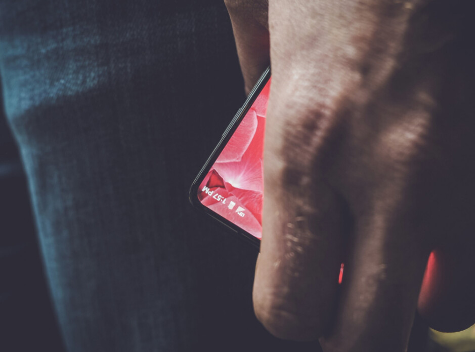 Picture shows Andy Rubin holding his upcoming new high-end phone - Tweet sent by Andy Rubin includes photo partially revealing his iPhone/Pixel challenger