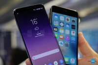 samsung-galaxy-s8-vs-apple-iphone-7-comparison---5