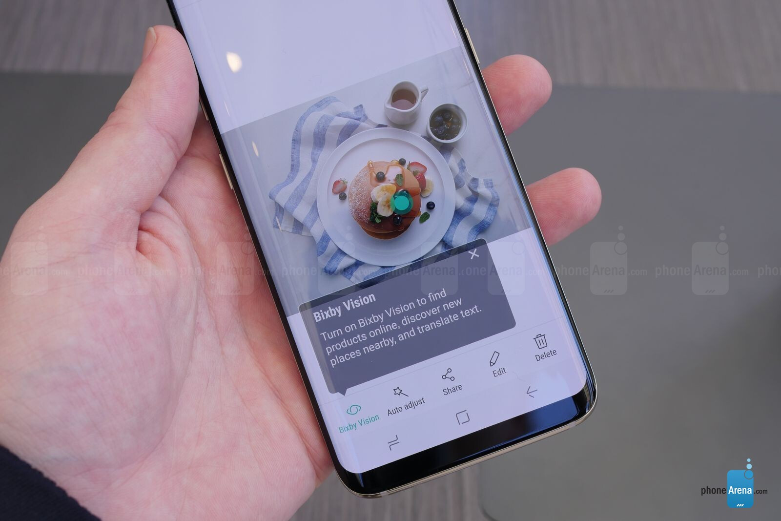 Samsung Bixby hands-on: What you can do with the new GS8