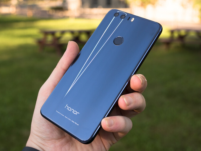 Deal: Dual-camera Honor 8 with 12-month US warranty is $100 off at Amazon