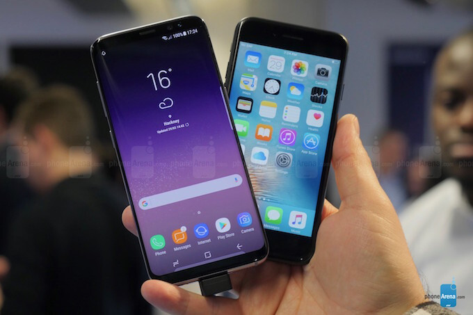 Samsung regains lead in smartphone sales in Q1, LG's phone production drops 40%