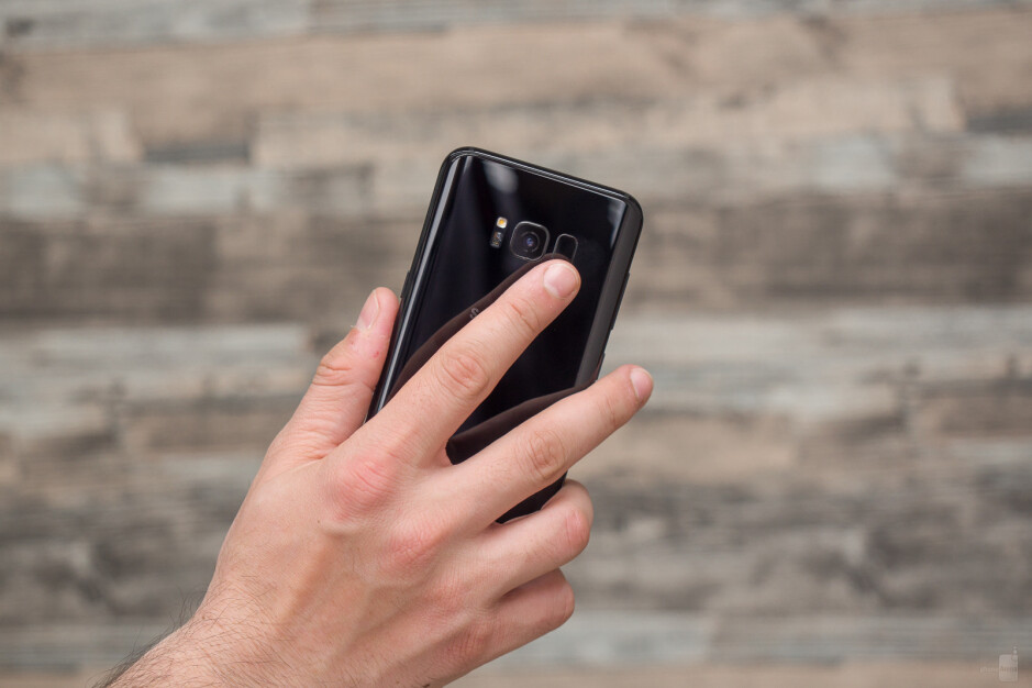 Galaxy S8 (left) vs Galaxy S8+ (right) - Samsung Galaxy S8 and S8+ Q&A: Your questions answered