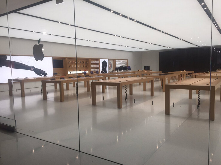 The tables are empty at the Corte Madera Apple Store after it was robbed yesterday for the second time in six months - Apple Store in Corte Madera mall is robbed for the second time in six-months