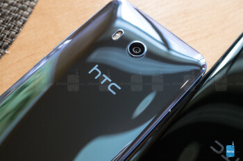 HTC U 11 hands-on: putting the squeeze on its competition