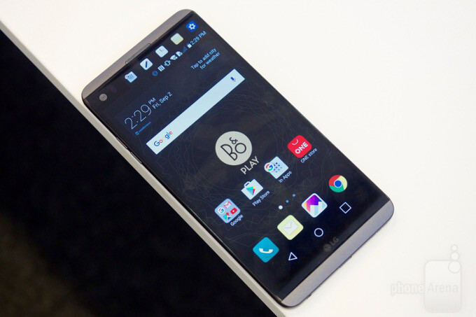 LG to launch its first OLED smartphone V30 in September 2017