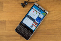 BlackBerry-KEYone-Review043-Custom