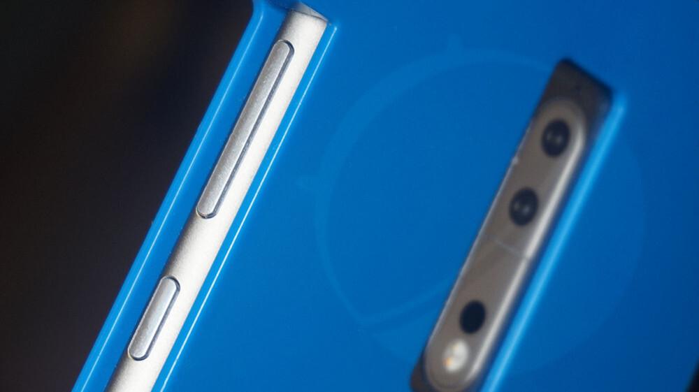 http://i-cdn.phonearena.com/images/articles/288743-image/Nokia-9-prototype-unit.jpg