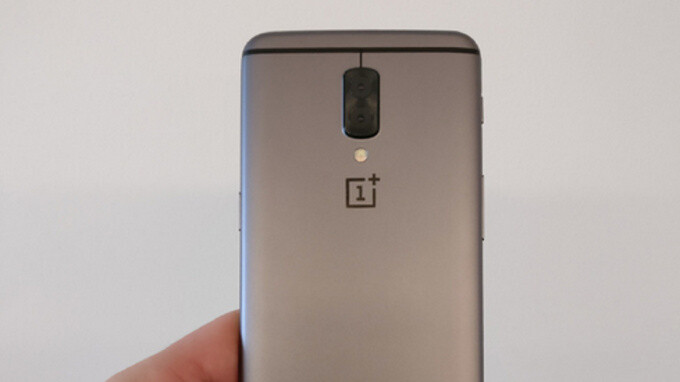 Earlier leaked image allegedly showing a OnePlus 5 prototype - OnePlus 5 to retain headphone jack with different position, Carl Pei reveals on Twitter