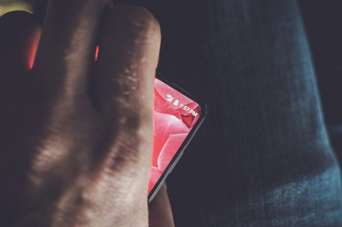 Andy Rubin's new Android handset is expected to be unveiled later today - Andy Rubin's new high-end Android smartphone to be unveiled later today?