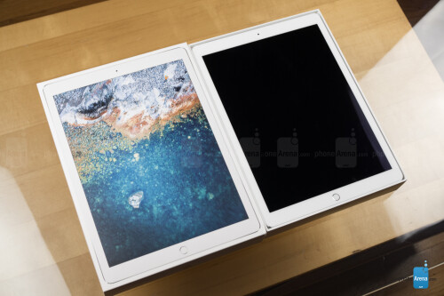 Apple iPad Pro 12.9 (2017) unboxing