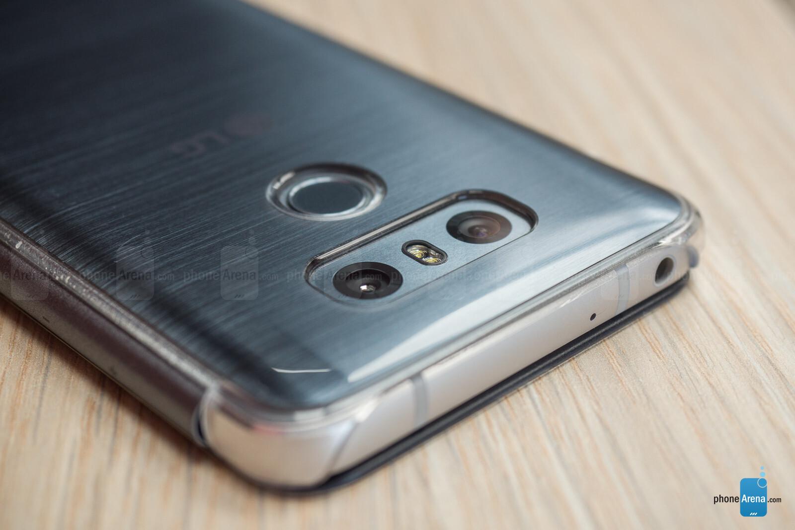 LG G6 Quick Cover Flip Case Review