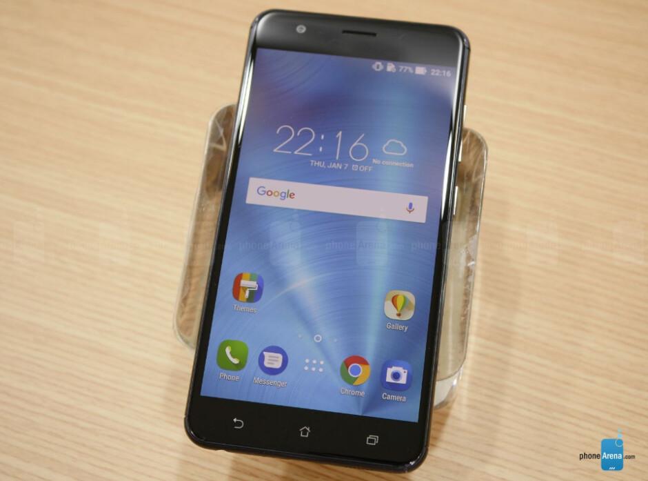 Asus ZenFone 3 Zoom starts receiving Android 7.0 Nougat update