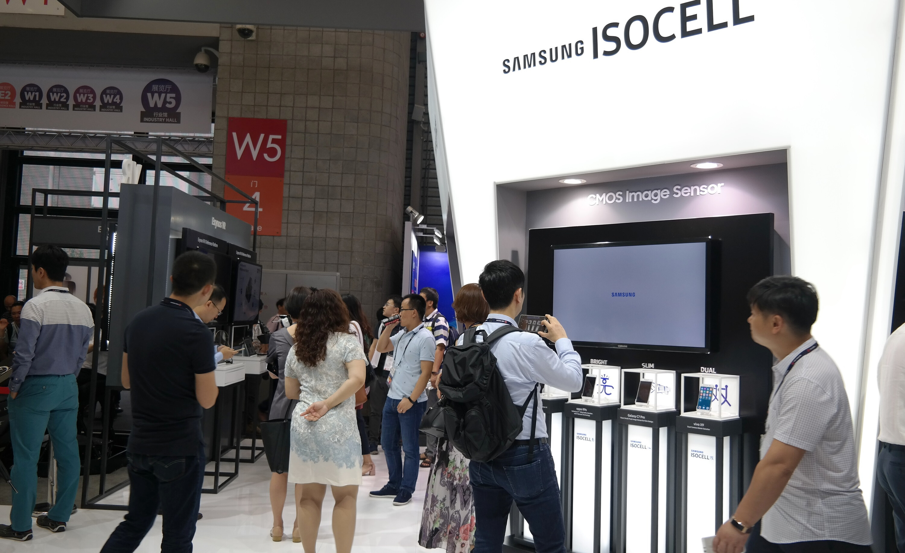 Samsung Shows Us The Benefits of Their Sensor Photo Isocell in a Video