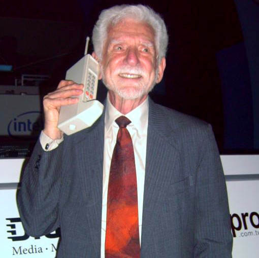 Mr Cooper rocking the first cell phone - Meet the first cell phone that needs no battery to make calls