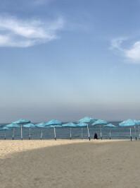 iphone-beach-zoom.jpg