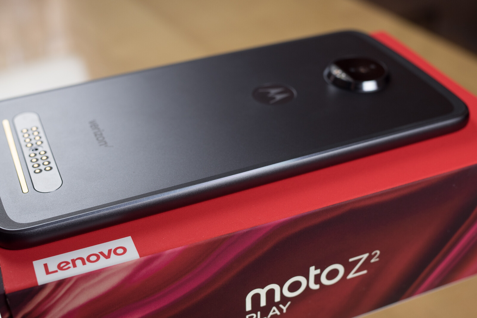 Moto Z2 Play Unboxing And First Look With New Moto Mods