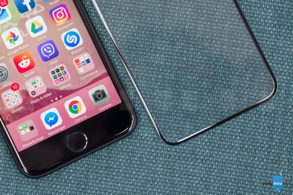 The cutouts at the top could be for sensors allowing Apple's face-recognition feature to operate - We have what could be an iPhone 8 screen protector: let's analyze it!