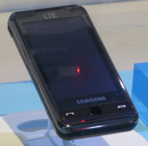 LTE-enabled Samsung r900 goes to MetroPCS