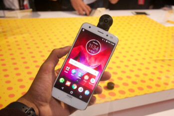 Motorola Moto Z2 Force and 360 camera mod hands-on