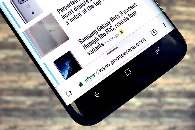 Here's how to enable a bottom navigation bar in your Chrome browser (Android tutorial)