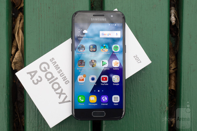 Samsung Galaxy A3 (2017) starts receiving Android 7.0 Nougat update