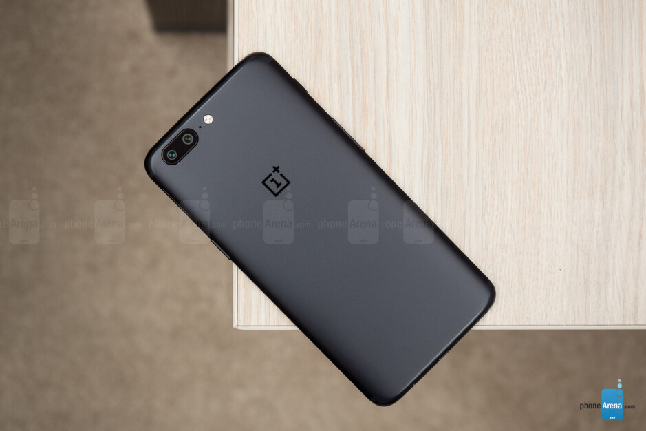 OnePlus 5 product manager talks about behind the scenes process, reveals partial water resistance