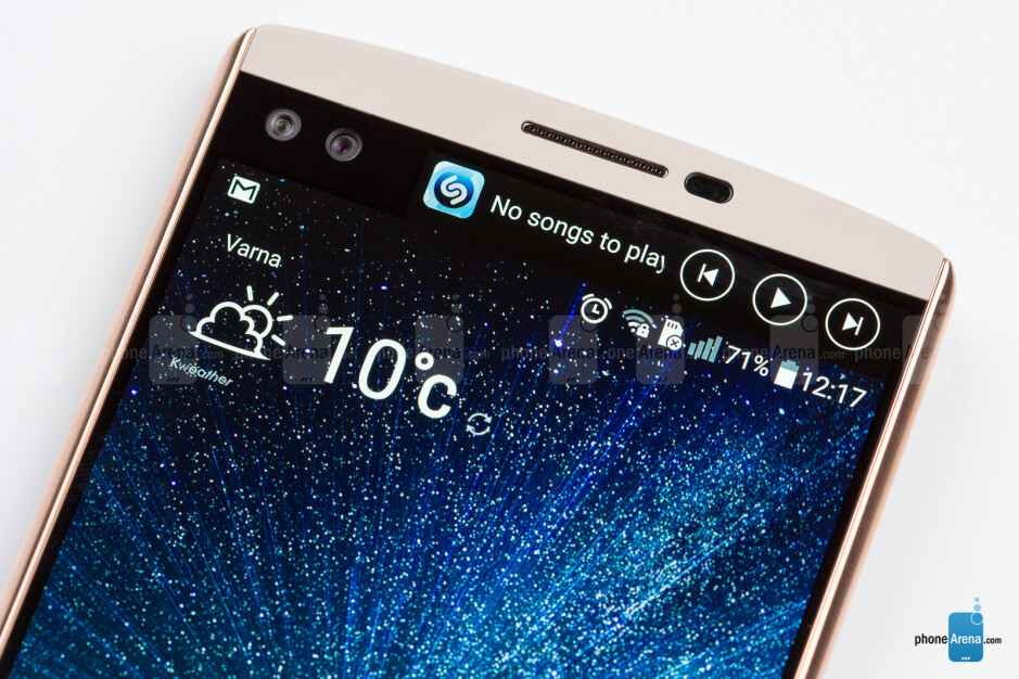 Results: will you miss the ticker screen on the LG V30?