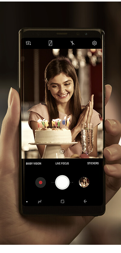 Samsung is also using the dual cameras for a portrait mode feature that will let you blur the background behind your subject - Galaxy Note 8's dual-camera system has some awesome features that make it stand out from the rest