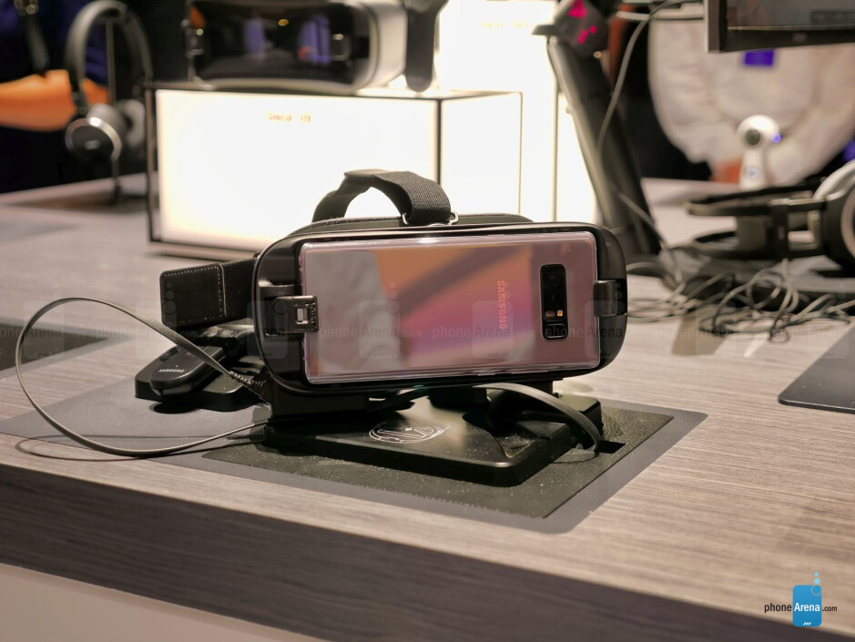 Samsung Gear VR (for Note 8) hands-on