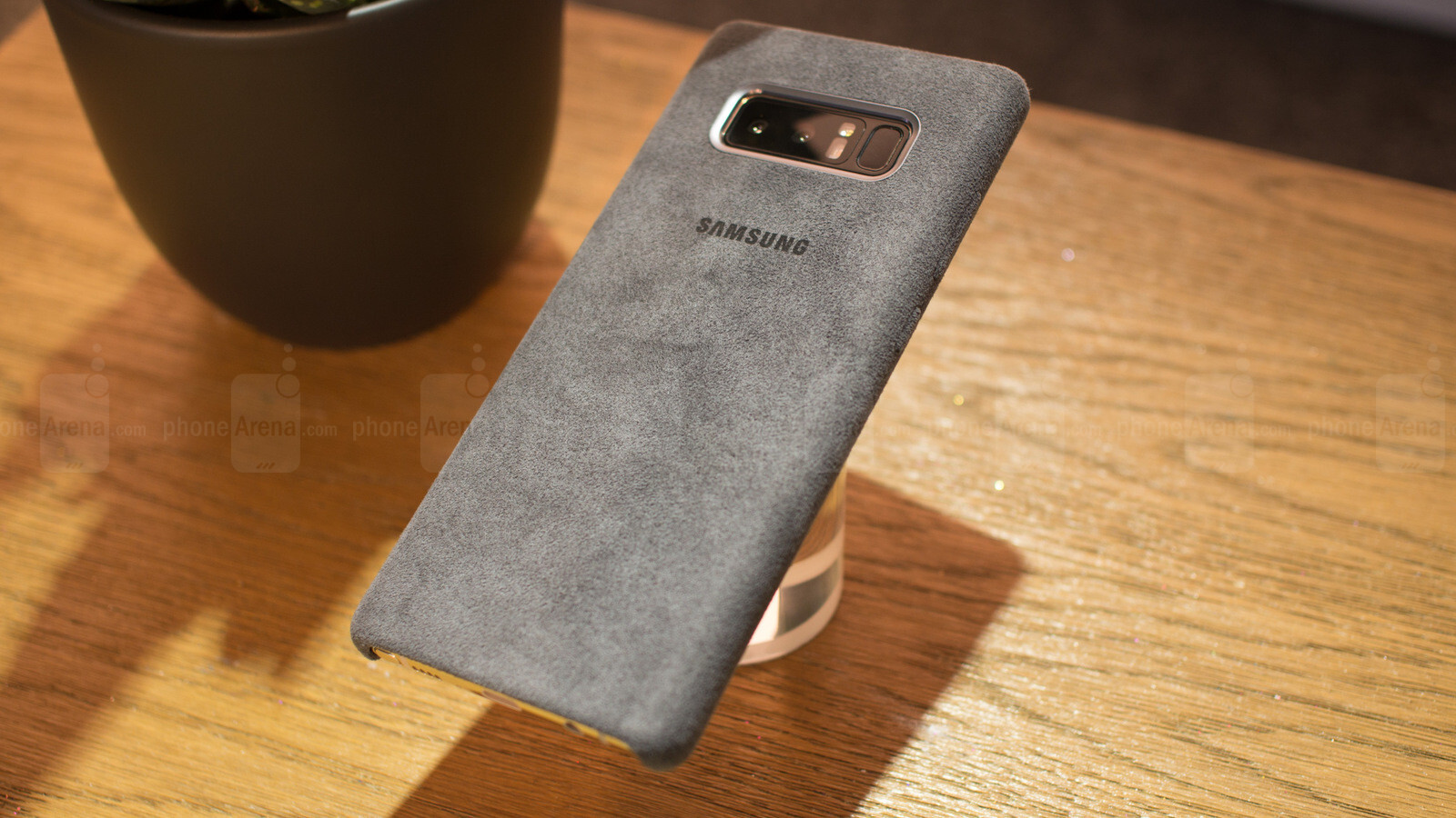 best service c2675 324fd Official Samsung Galaxy Note 8 Alcantara case hands-on | PhoneArena ...