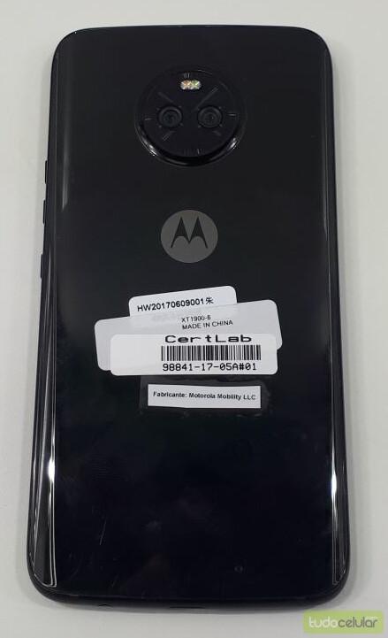 Previously leaked Moto X4 photos