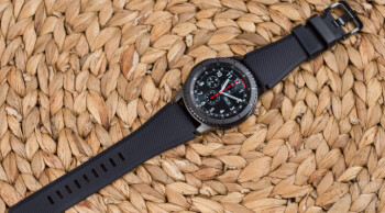 Samsung Gear S3 frontier update adds vibration notification support for 3rd party apps