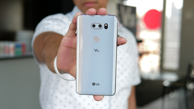 LG V30 is the first phone to support T-Mobile's new 600Mhz LTE band for rural areas