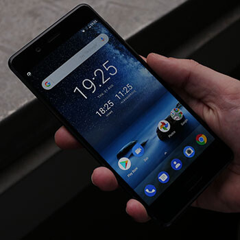 Nokia 8 hands-on: stepping back into the flagship spotlight