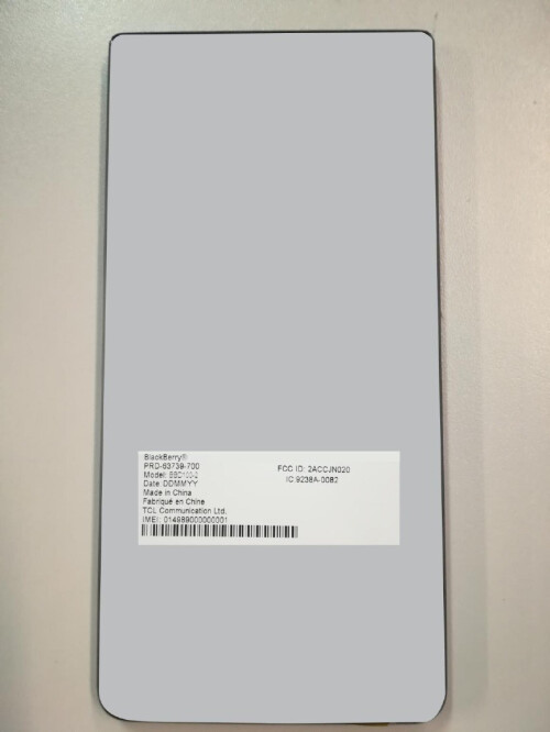 Image from the FCC documents shows the placing of the FCC label on the phone
