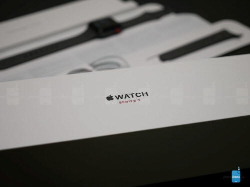 Apple Watch Series 3 unboxing