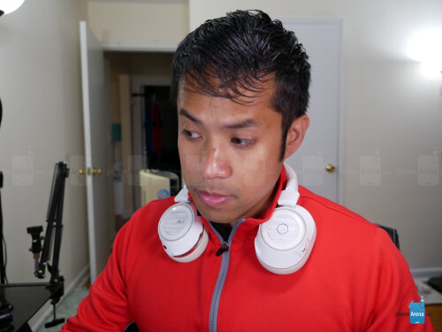 Plantronics Voyager 8200 UC hands-on