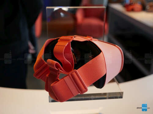 Google Daydream View hands-on