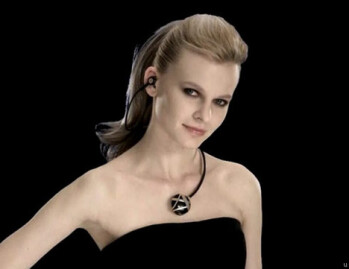 Novero's Bluetooth headset could make for a fashionable necklace as well