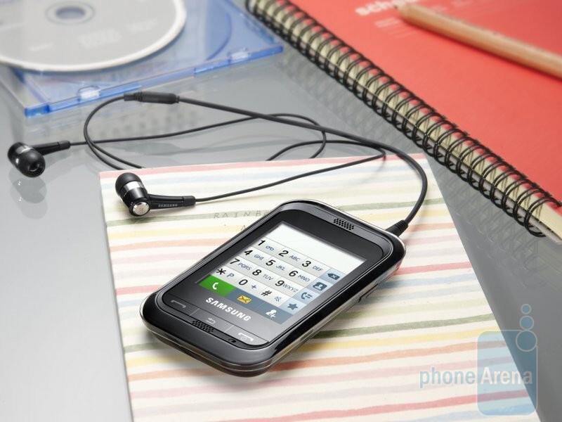 MicroSD-карту.  Samsung Champ будет предлагаться в нескольких цветовых схемах, иметь 1.3-мегапиксельную камеру...