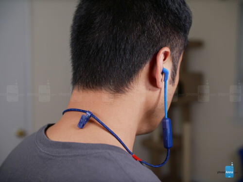 Plantronics BackBeat Fit 300 hands-on