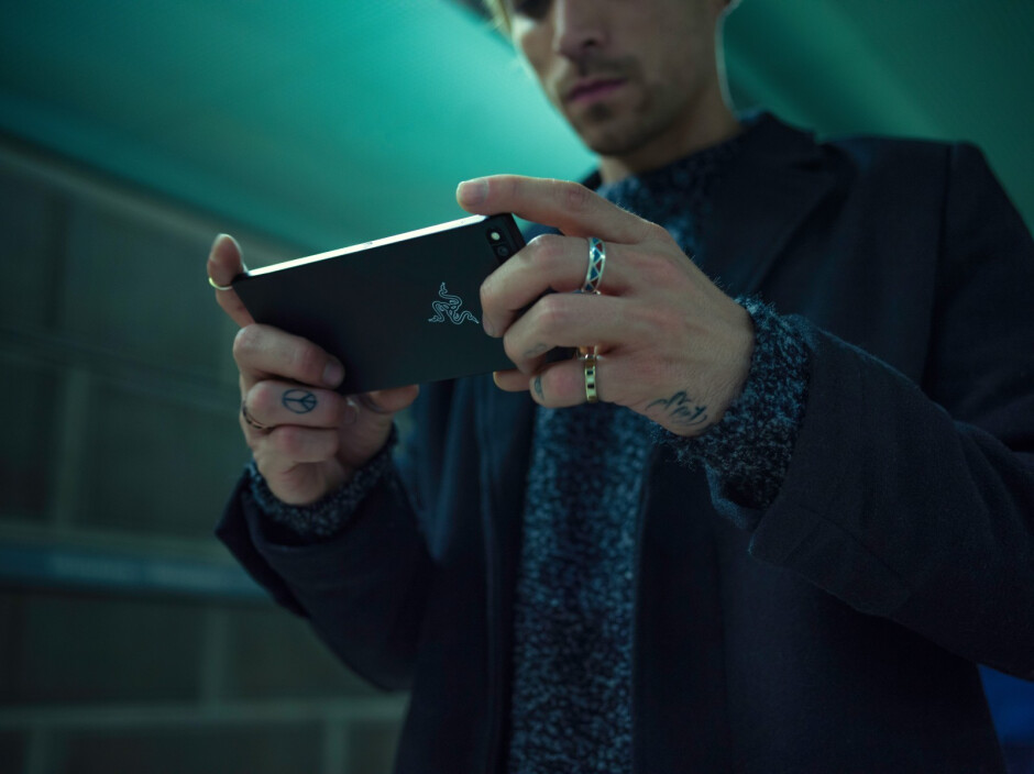 """Razer Phone is here with 5.7"""" 120Hz Ultramotion display, 8 GB of RAM, and it's insane!"""