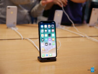 Apple-iPhone-X-hands-on-1-of-33