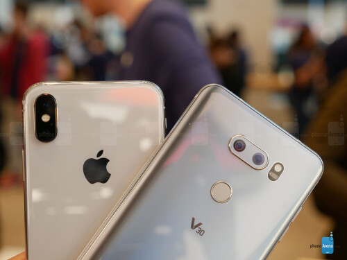 Apple iPhone X vs LG V30 first look