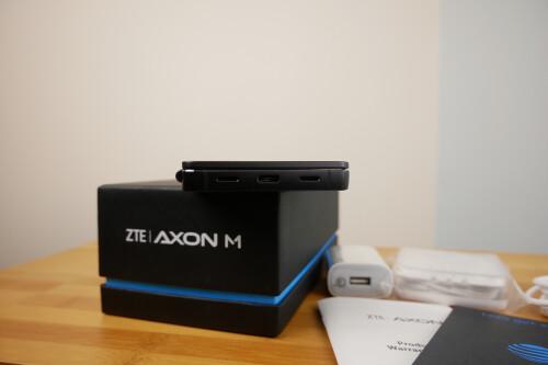 ZTE Axon M Unboxing