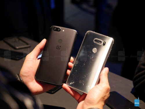 OnePlus 5T vs LG V30 first look
