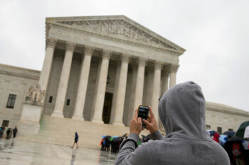 US Supreme Court looks into cell phone tracking