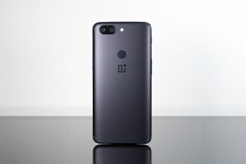 OnePlus 5T gets new update with improvements to photo quality, camera app, face unlock, and more