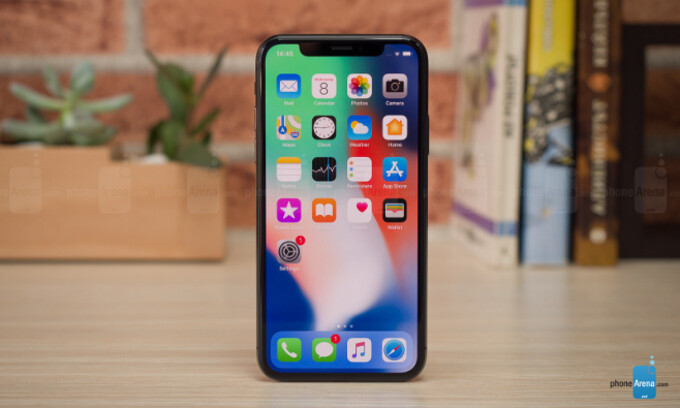 Apple's marketing VP dubs the iPhone X notch 'one of the most sophisticated pieces of technology'